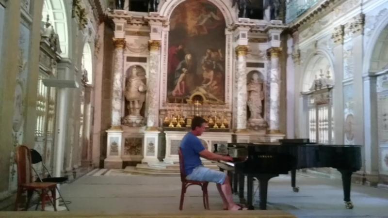 Лунная Соната (Л.В. Бетховен) В церкви при дворце Фонтенбло