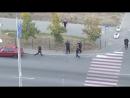 По Киеву разгуливают люди с оружием