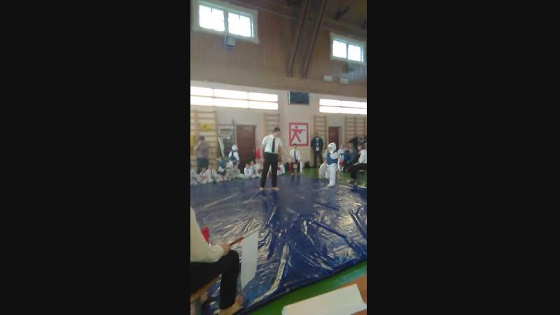 Турнир по каратэ киокушин 2 поединок