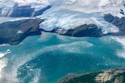 Международная группа ученых выяснила, что под Восточной Антарктидой располагается источник геотермальной энергии Он может способствовать таянию ледникового щита. Причина поступления тепла пока