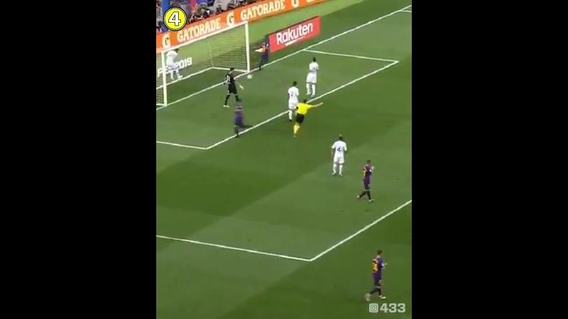 Рафинья легко перебросил вратаря Бока Хуниорс и издевательски забил в опустевшие ворота