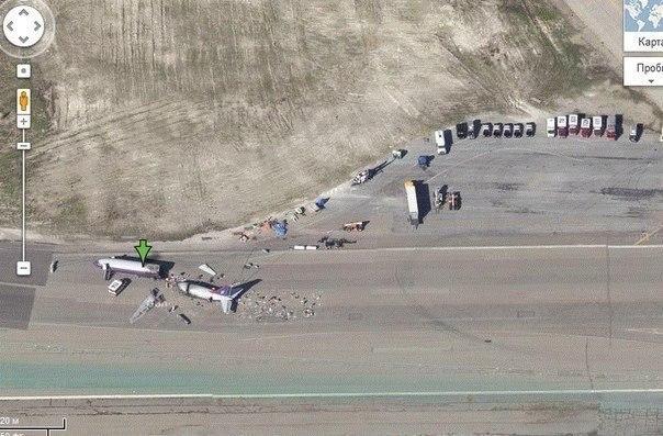 Тайные места в Google Maps. Сохраняем у себя на стене. 1. 32.664162, -111.487119 Секретная база ВВС США. 2. 45.408166,-123.008118 Самолет среди деревьев. 3. 45.70333,21.301831 НЛО Показать продолжение..