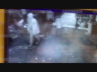 Момент драки на корпоративе страховой компании в Москве попал на видео