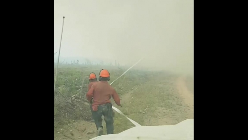 Торнадо украл у канадских пожарных шланг