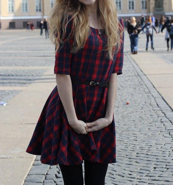 Вот такое милое весеннее платье я заказала здесь http://ru.aliexpress.com/item/Hot-New-Women-Red-Plaid-Dress-Round-Neck-Summer-Half-Sleeve-Mini-Dresses-Fashion-Y2/32477992713.html Ткань