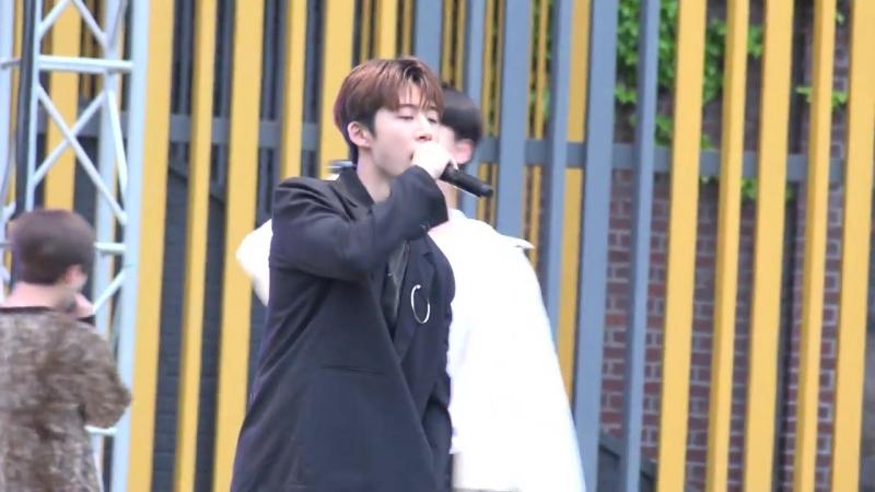 20180511_Фестиваль_(MY_TYPE)_ _블링블링_(BLING_BLING)_ _벌떼_(B-DAY)_iKON_(아이콘)_B.I_(비아이)