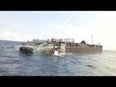 В Одессе на берег выкинуло баржу с контрабандой Крушение баржи Шторм Черное море 121 причал