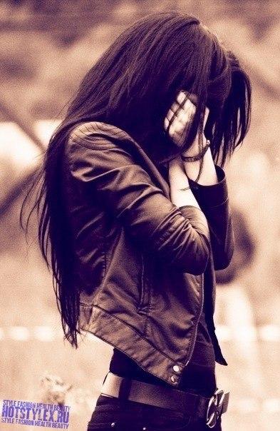 Фотография девушки брюнетки на аву