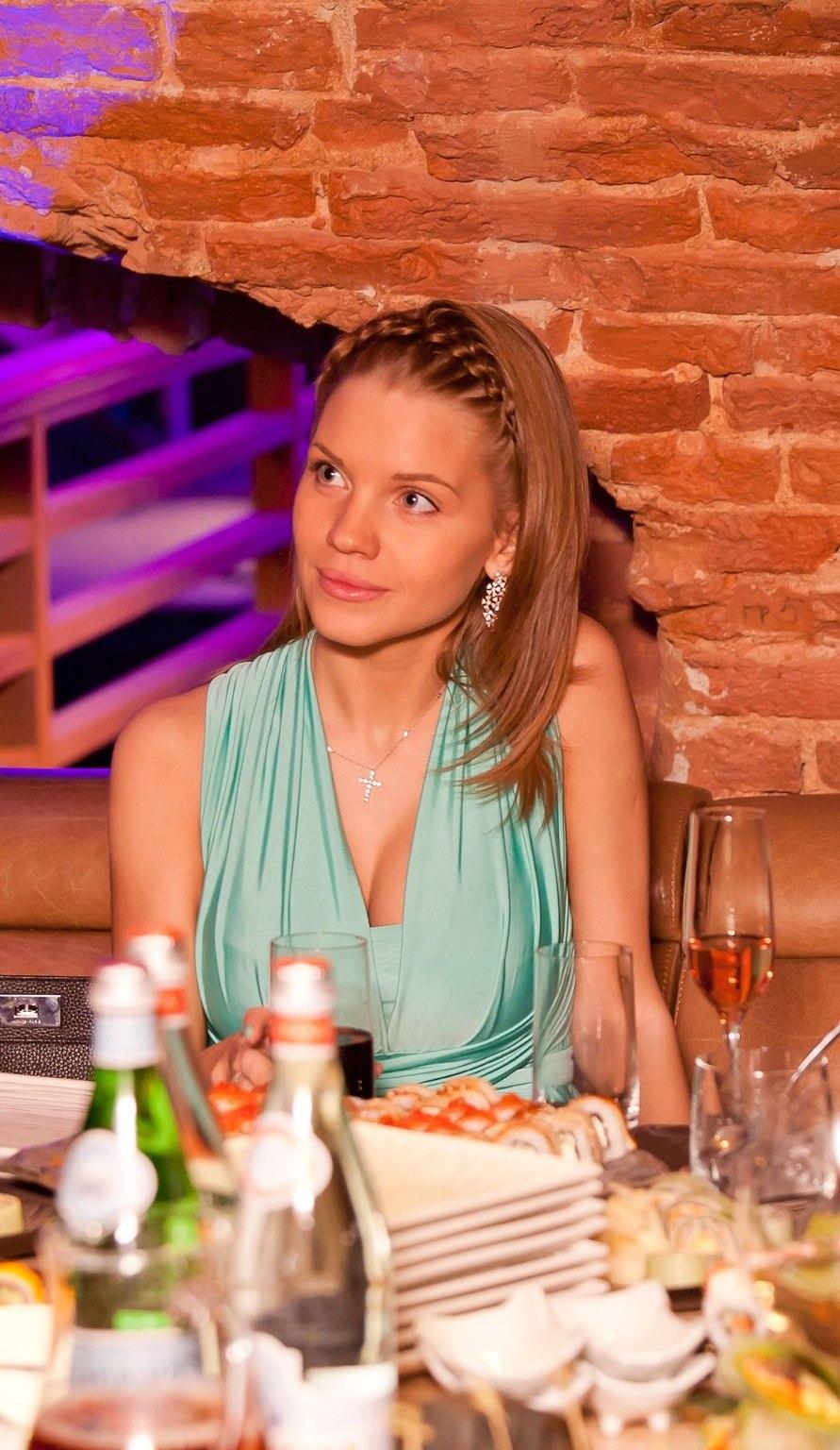 Екатерина сафронова жена хоккеиста фото