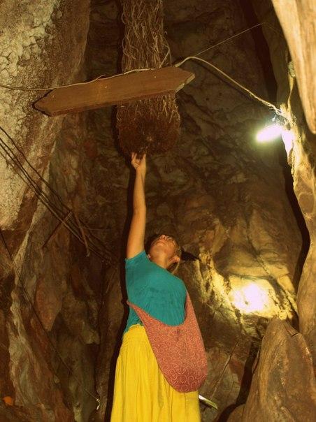 пещера храма Wat Tham Khao Pun, Канчанабури