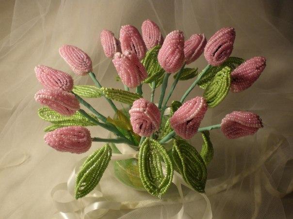 цветок - тюльпан из бисера