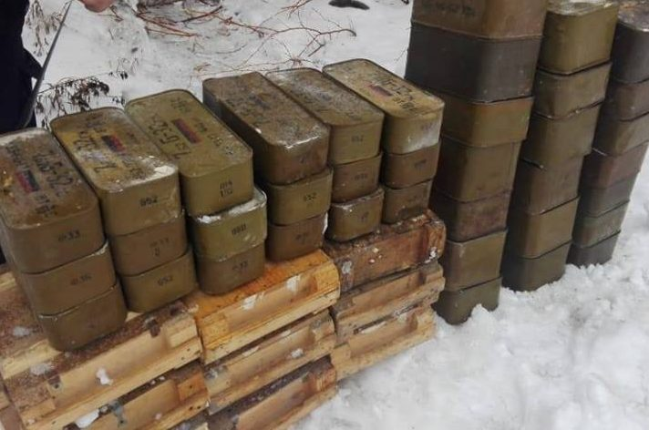 На Луганске полицейские нашли схрон боеприпасов
