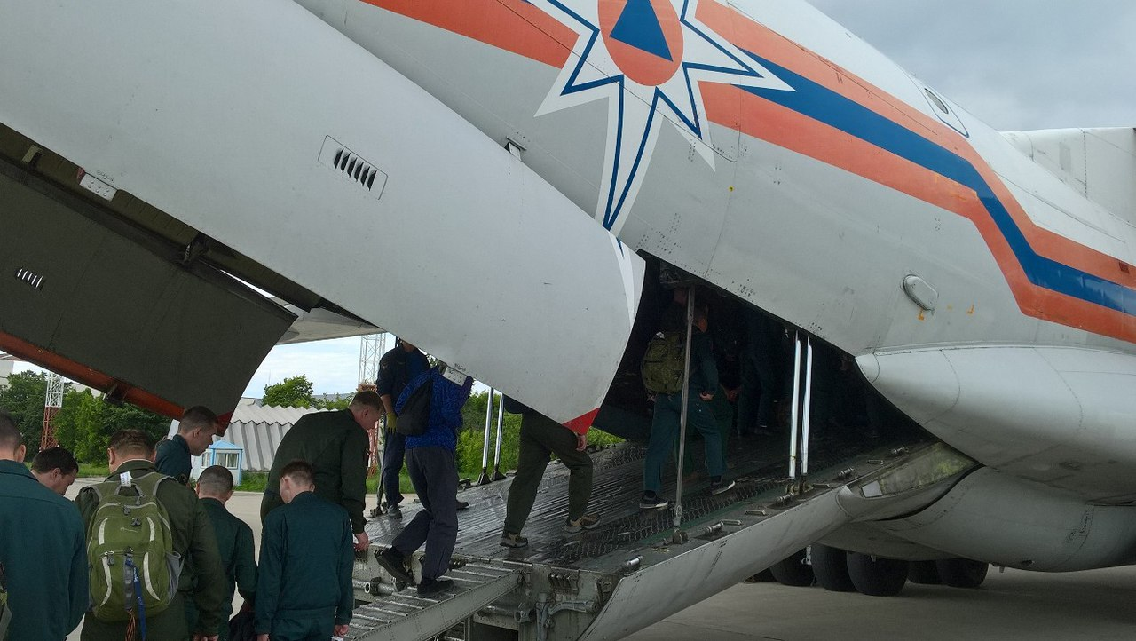 Изказанского аэропорта вылетел самолет натушение лесных пожаров вСибири