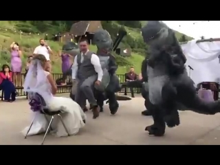 Свадебный дино-танец