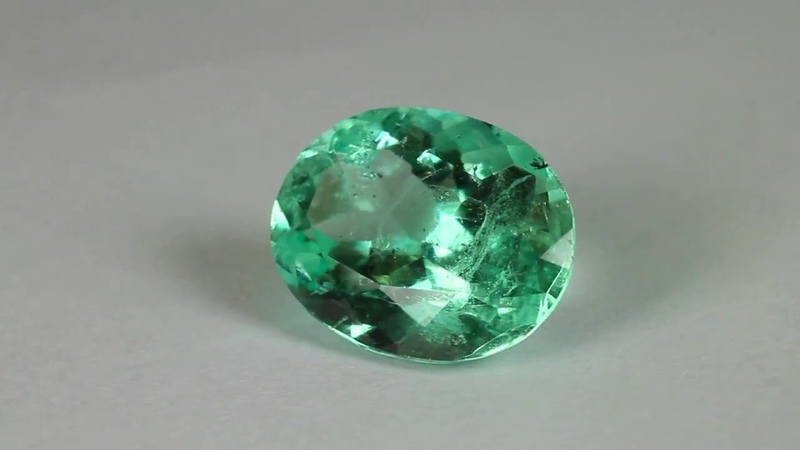 Excellent Luster 6.46 Carats Genuine Natural Colombian Emerald Oval Cut