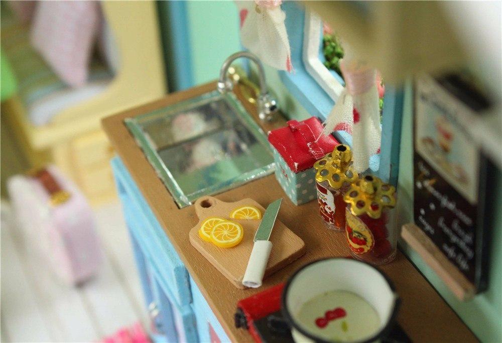 Кукольный домик Вся мебель и детали на фото идут в комплекте