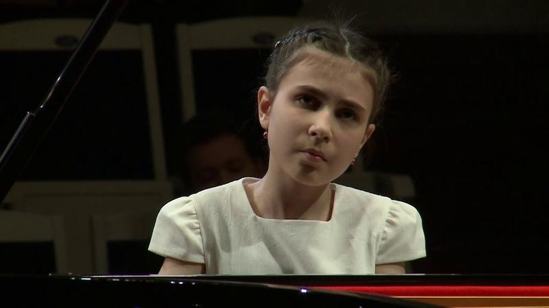 Alexandra Dovgan Felix Mendelssohn Concerto for Piano No 1 in G Minor Op 25