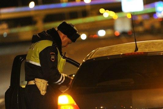 В донской столице пьяный водитель без прав ударил инспектора ДПС в лицо