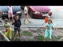 Танец носа у детей.