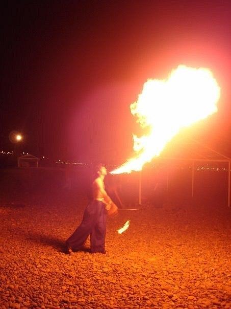 На побережье Таганрогского залива открылся фестиваль огненных искусств Night of Flame–2013