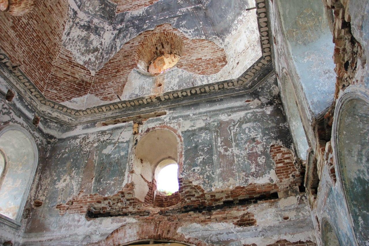 Стена, купол, остатки фресок... (04.07.2014)