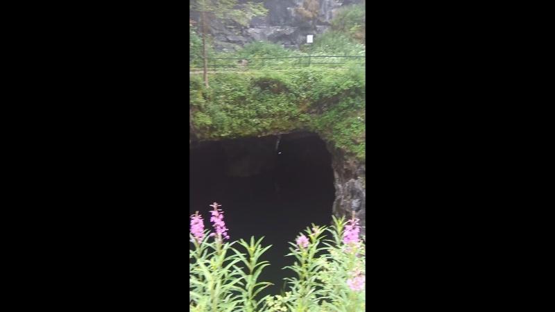 Карелия хоровое пение в пещере