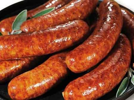 Лактоза, жирная пища и газированные напитки могут создавать чрезмерный газ в желудке.