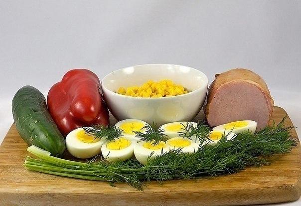 Салат с яйцом и ветчиной. Вам потребуется: - 400-500