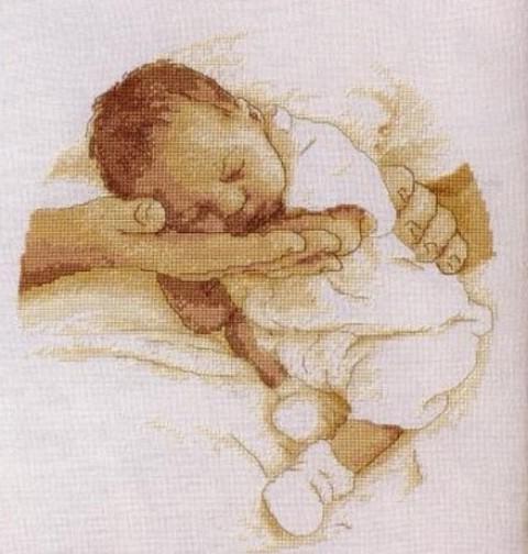Вышивки ребенок на руке