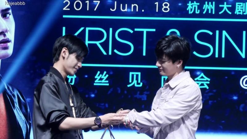 คริส-สิงโต (Krist-Singto) - ฉากดาดฟ้า Rooftop Scene (4k) Fanmeet in Hangzhou - 170618