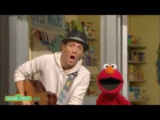Sesame Street: Outdoors with Jason Mraz sings with Elmo I'm Yours