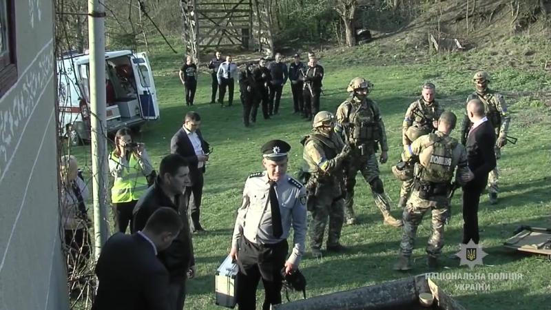 Спецназ на вертолете против пьяного дебошира: в украинском селе провели спецоперацию