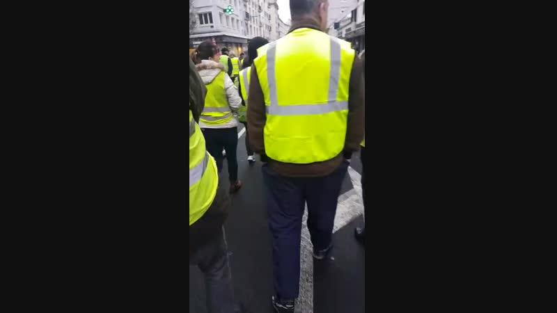 Boulogne sur Mer Gilets jaunes et Syndicats 05 02 19.mp4