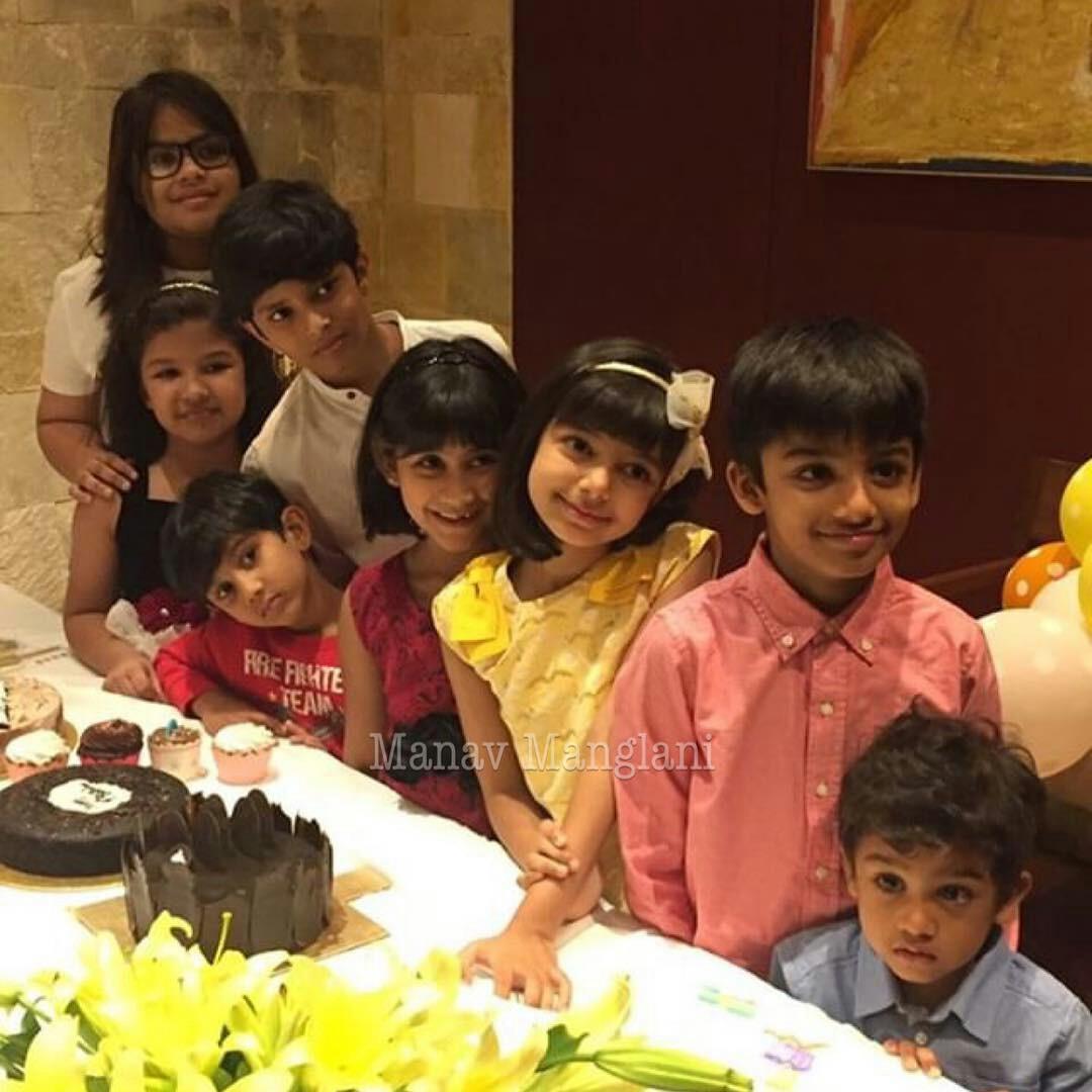 Aaradhya Bachchan Xgg2AfRcR24