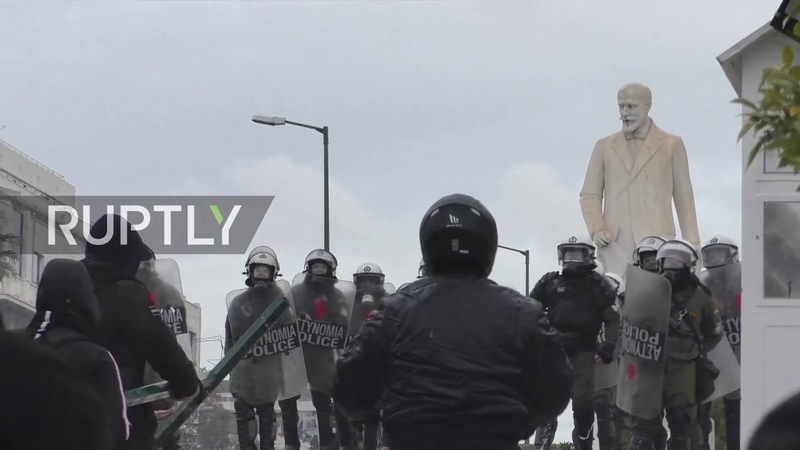 Greece 60,000-strong demo over Macedonia name deal turns violent in Athens