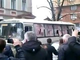 Харьков [08.04.2014] погром автобуса с ментами, ещё одна камера