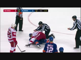 Boychuk wont stop punching at Abdelkader while on his back