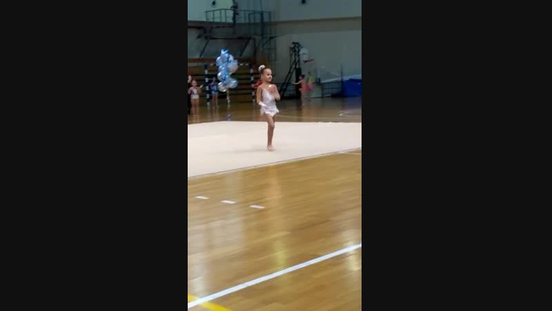 Наша любимая гимнастка!)
