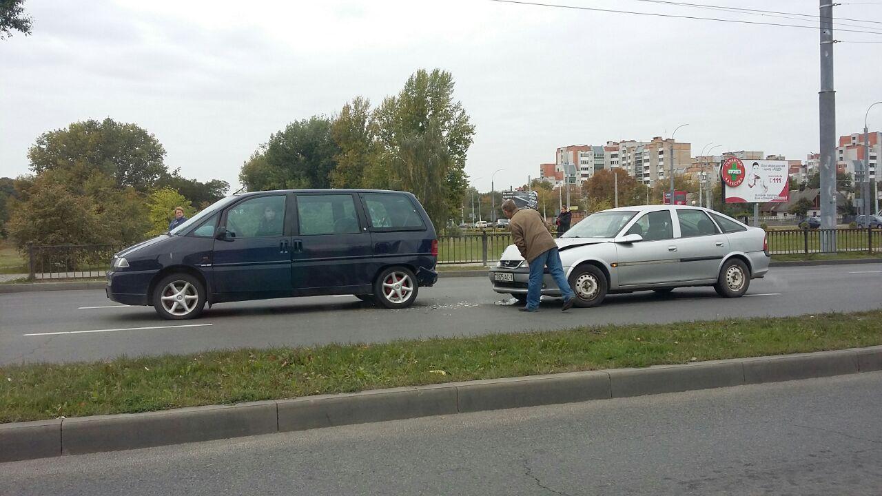 Досадное ДТП на 28-го Июля: водитель просто решил резко затормозить в потоке