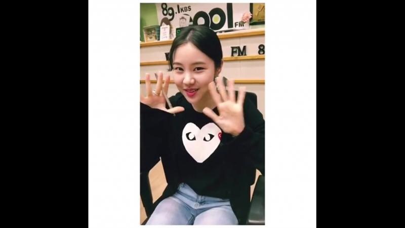 Seol_bam. <설레는 밤, 김예원입니다> 첫 방송, 첫 생방송, 첫 보이는 라디오. 어떠셨어요? 🙂