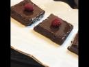 Бра́уни — шоколадное пирожное