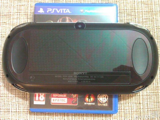 Продам PS vita Wi-Fi + 2 Флэшки(16.4gb) и игры на картриджах.