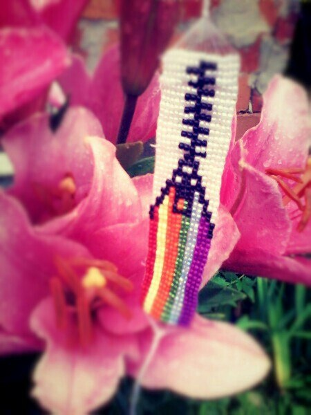 Плету фенечки из бисера на