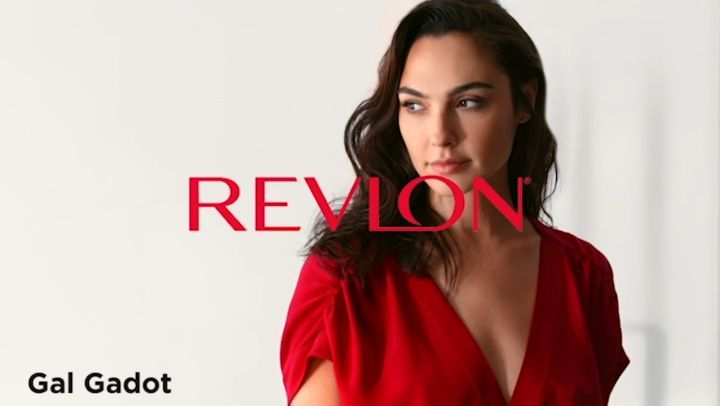 """Gal Gadot on Instagram I can so I did This is @revlon newest campaign championing women's achievements big and small 💋 icansoidid"""""""