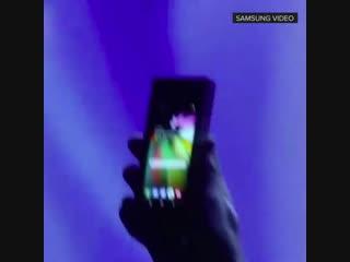 Складной смартфон Samsung с гибким дисплеем