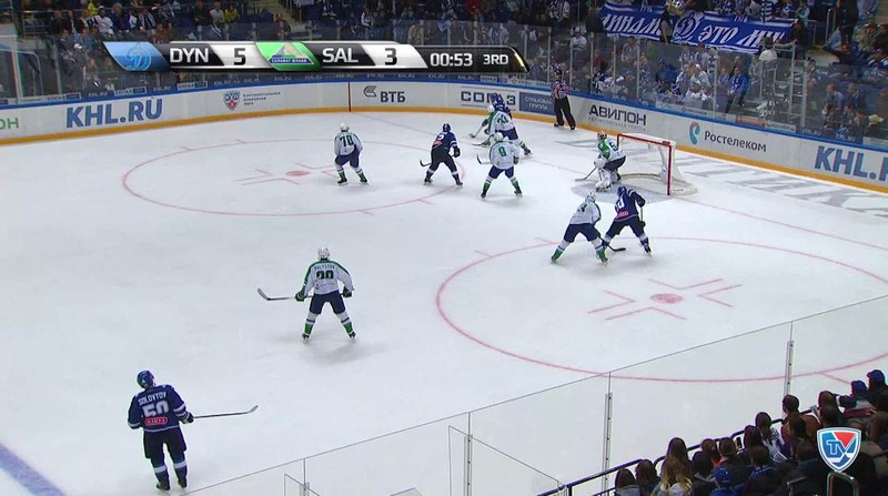 Моменты из матчей КХЛ сезона 1415 • Удаление. Хлыстов Денис (Салават Юлаев) наказан малым штрафом за неправильную атаку 28.09