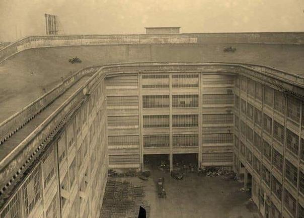 Испытания новеньких фиатов прямо на крыше завода. 1929 год.