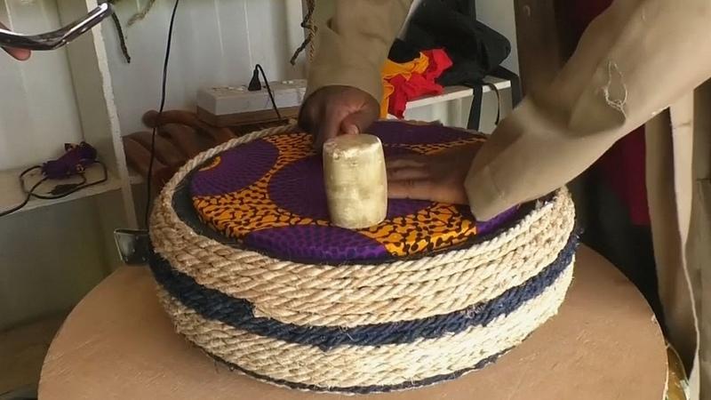 В Гане делают мебель из старых покрышек