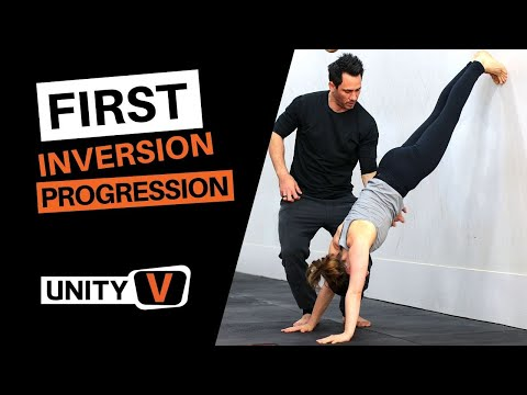 How To Handstand [Beginner Wall Progressions]