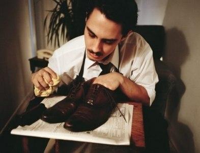 Как убрать запах из обуви? Простые способы и полезные советы.